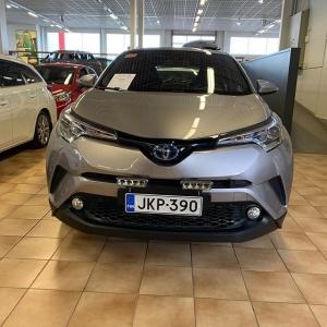 @passeliauto: Vaihtoautohallissa nyt CH-R Hybrid tehdastakuulla. Tervetuloa kaupoille! #toyotahybrid #vaihtoauto