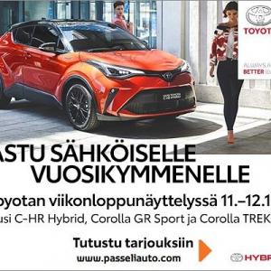 @passeliauto: Astu sähköiselle vuosikymmenelle Toyotan viikonloppunäyttelyssä 11.–12.1. Suomen suosituimmilla hybrideillämme nautit sähköajosta ilman erillistä latausta. Laaja hybridimallistomme uudistuu jälleen: koe mm. tehokas, uusi C-HR Hybrid, jossa yhdistyvät uuden sukupolven suorituskyky, särmikäs muotoilu ja saumattomat yhteydet. Esittelyssä myös tuliterät lifestylemallit Corolla GR Sport ja Corolla TREK. Tervetuloa tutustumaan! #toyota #toyotahybrid
